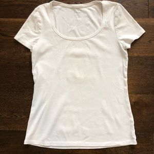 Boden Scoop Neck T-shirt
